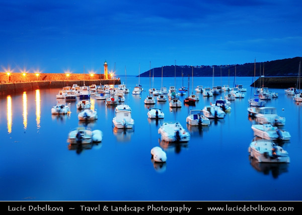Europe - France - Bretagne - Brittany - Côtes-d'Armor - Binic - Harbour town on shores of Atlantic Ocean