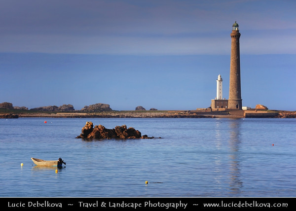 Europe - France - Bretagne - Brittany - Finistere - Plouguerneau - Ile Vierge - Tallest stone lighthouse in Europe & tallest traditional lighthouse in world - Île Vierge - Enez-Werc'h - 6-hectare islet lying 1.5 kilometres (0.93 mi) off the north-west coast of Brittany, opposite the village of Lilia