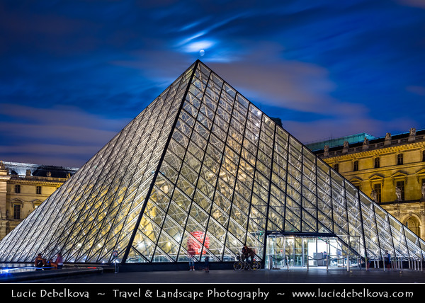 Europe - France - Paris - Capital City on Seine river - Musée du Louvre - Louvre Museum - Louvre Palace - Palais du Louvre - One of world's largest museums & most visited art museum in world - Central landmark of Paris - Pyramid - Twilight - Blue Hour - Dusk - Night