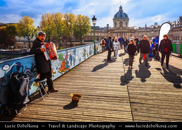 Europe - France - Paris - Capital City on Seine river - Pont des Arts - Passerelle des Arts - Pedestrian bridge linking Institut de France & central square of Palais du Louvre over river Seine