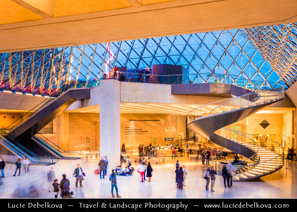 Europe - France - Paris - Capital City on Seine river - Musée du Louvre - Louvre Museum - Louvre Palace - Palais du Louvre - One of world's largest museums & most visited art museum in world - Central landmark of Paris - Famous Glass Pyramid