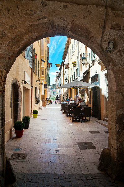 Ancient arches, Mediterranean light, French cuisine, fresh seafood; heaven