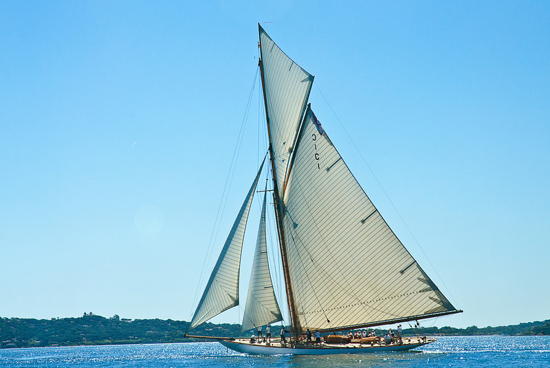 A gaff-rigger under full sail; what a true thrill