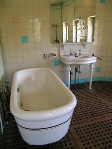 Cambo-les-Bains - Villa Arnaga's Bath Room
