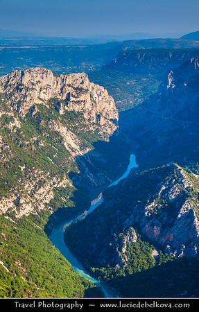 Europe - France - Provence-Alpes-Côte d'Azur Region - Var department - Parc naturel régional du Verdon - Gorges du Verdon - Grand Canyon du Verdon - Verdon Gorge - One of Europe's most beautiful river canyons with turquoise-green water - 25 kilometres long & up to 700 metres deep unique landscape transformed throught the ages by the forces of nature