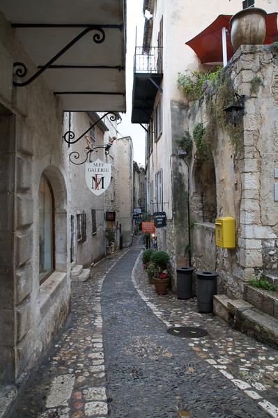 Narrow streets of St Paul de Vence