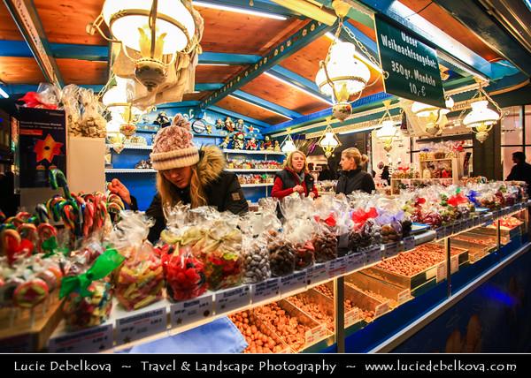 Europe - Germany - Deutschland - Bavaria - Bayern - Munich - München - Historical Center - Christkindlmarkt - Christmas Markets in Marienplatz outside Neues Rathaus - New City Hall