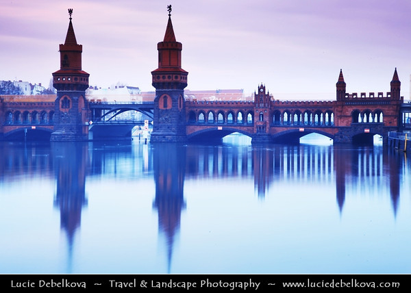 Europe - Germany – Deutschland - Berlin – Capital City - Oberbaum Bridge – Oberbaumbrücke – Double-deck bridge crossing Berlin's River Spree – One of the city landmarks<br /> <br /> Camera Model: Canon EOS 5D Mark II; Lens: 24.00 - 105.00 mm; Focal length: 75.00 mm; Aperture: 22; Exposure time: 32.0 s; ISO: 100