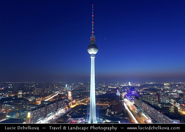 Germany - Berlin - Alexanderplatz & Television Tower or Fernsehturm in Mitte Berlin - Symbol of Berlin easily visible throughout the central & some suburban districts of Berlin - 368 meters hight making it the tallest structure in Germany<br /> <br /> Camera Model: Canon EOS 5D Mark II; Lens: 17.00 - 40.00 mm; Focal length: 21.00 mm; Aperture: 11; Exposure time: 32.0 s; ISO: 100