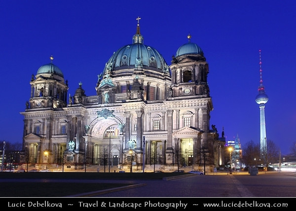 Germany - Berlin - Berlin Cathedral - Berliner Dom -  Evangelical Oberpfarr- und Domkirche - Supreme Parish & Collegiate Church - Literally Supreme Parish & Cathedral Church<br /> <br /> Camera Model: Canon EOS 5D Mark II; Lens: 17.00 - 40.00 mm; Focal length: 27.00 mm; Aperture: 11; Exposure time: 32.0 s; ISO: 100