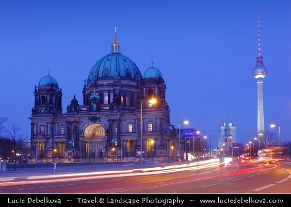 Germany - Berlin - Berlin Cathedral - Berliner Dom -  Evangelical Oberpfarr- und Domkirche - Supreme Parish & Collegiate Church - Literally Supreme Parish & Cathedral Church<br /> <br /> Camera Model: Canon EOS 5D Mark II; Lens: 17.00 - 40.00 mm; Focal length: 39.00 mm; Aperture: 14; Exposure time: 20.0 s; ISO: 100