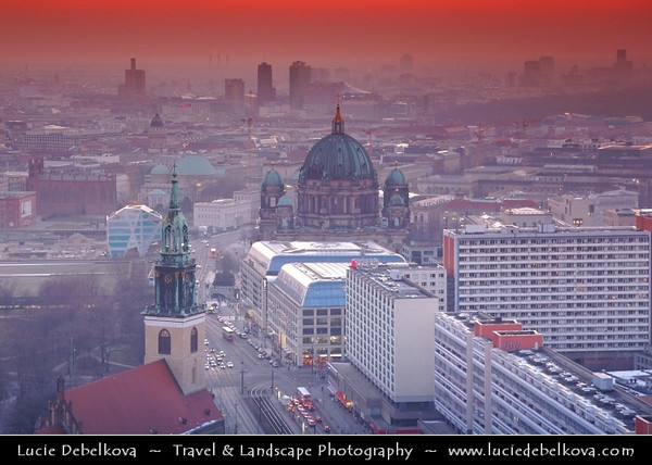 Germany - Berlin - Berlin Cathedral - Berliner Dom -  Evangelical Oberpfarr- und Domkirche - Supreme Parish & Collegiate Church - Literally Supreme Parish & Cathedral Church<br /> <br /> Camera Model: Canon EOS 5D Mark II; Lens: 24.00 - 105.00 mm; Focal length: 85.00 mm; Aperture: 4.0; Exposure time: 1/40 s; ISO: 500