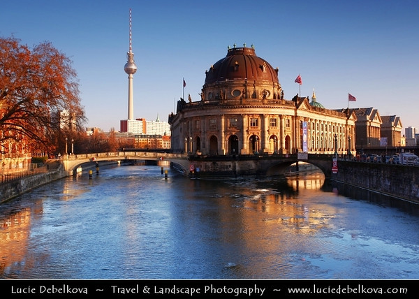 Germany - Berlin - Museum Island - Museumsinsel - Northern half of an island in the Spree river in the central Mitte district of Berlin - Complex of five internationally significant museums - Bode Museum on the island's northern tip<br /> <br /> Camera Model: Canon EOS 5D Mark II; Lens: 17.00 - 40.00 mm; Focal length: 40.00 mm; Aperture: 9.0; Exposure time: 1/40 s; ISO: 100