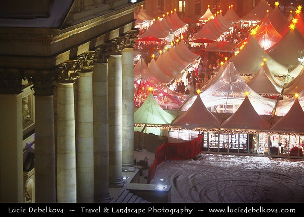 Germany - Berlin - Capital City - Gendarmenmarkt square - Site of the Konzerthaus and the French and German Cathedrals - Christmas market - Christkindlmarkt - Christkindlesmarkt - Christkindlmarket - Weihnachtsmarkt at Night<br /> <br /> Camera Model: Canon EOS 5D Mark II; Lens: 70.00 - 200.00 mm; Focal length: 111.00 mm; Aperture: 4.0; Exposure time: 1/15 s; ISO: 3200