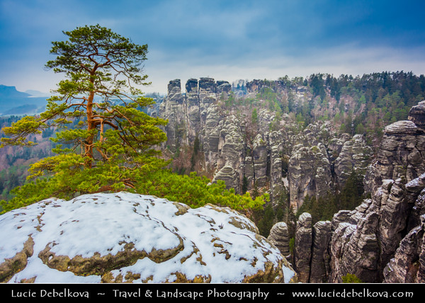 Europe - Germany - Deutschland - Saxony - Sachsen - Saxon Switzerland National Park - Sächsische Schweiz - Hilly climbing area around the Elbe valley - Elbe/Labe Sandstone Mountains - Bizarre & intriguing landscape with huge, smooth rocks & deep, narrow valleys & gorges - Winter time with small cover of snow