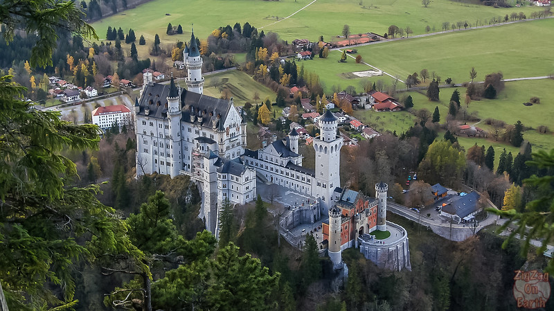 Helicopter flight pictures of Neushwanstein