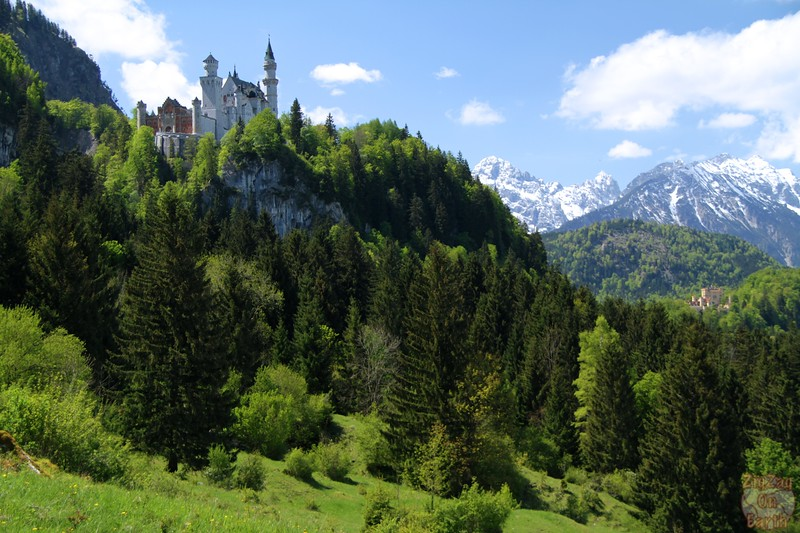 Best spots photograph Neuschwanstein: from path Tegelbergbahn to castle 2