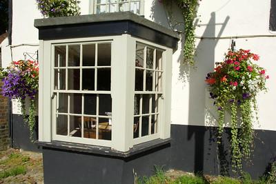 Avebury Inn