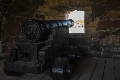 More cannons along the ramparts
