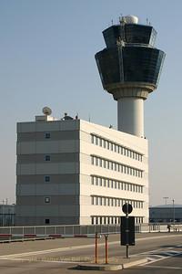 Holiday_Greece_Athens-Airport_El_Venizelos_20050717_IMG_1654_WVB_1200px