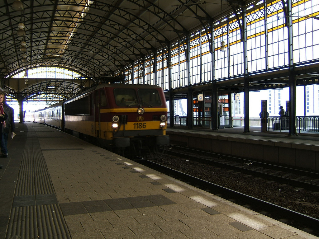 Inside Den Haag Holland Spoor, this train is headed back to Belgium.