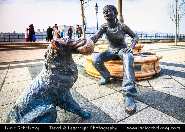 Europe - Hungary - Magyarország - Budapest - Capital City - UNESCO World Heritage Site - Little Princess - Lovely little statue by László Marton on the Danube Corso