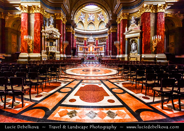 Hungary - Magyarország - Budapest - Capital City - Interior shot of St. Stephen's Basilica - Szent István Bazilika - Roman Catholic Basilica - The largest church in Budapest & the most important church building in Hungary, one of the most significant tourist attractions and the third highest building in Hungary