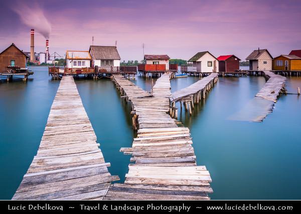 Hungary - Magyarország - Komárom-Esztergom county - Bokod - Water village with houses on lake with wooden walkways near Bokod