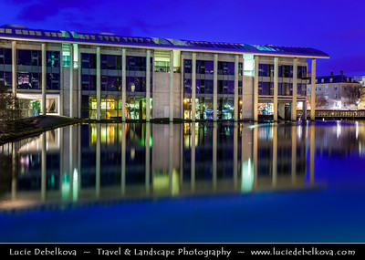 Iceland - Reykjavík - Radhus - City Hall - Contemporary concrete & glass building built in 1987 on the shores of lake Tjornin at Dusk - Twilight - Blue Hour