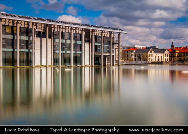 Iceland - Reykjavík - Radhus - City Hall - Contemporary concrete & glass building built in 1987 on the shores of lake Tjornin