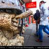 Iceland - Reykjavík - Famous Main Laugavegur Street - Daytime life