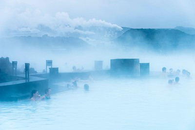 Blue Lagoon in Reykjavic: spill water from a hydroelectric plant. Drinking begins before breakfast