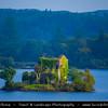Europe - Ireland - Éire - Airlann - Airlan - County Galway - Connemara - Chonamara - Ballynahinch Lake and its island with old ruined tower house