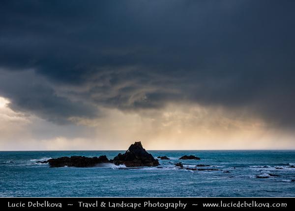 Europe - Ireland - Éire - Airlann - Airlan - County Waterford - Copper Coast UNESCO Global Geopark - Dramatic rocky coast along Atlantic Ocean