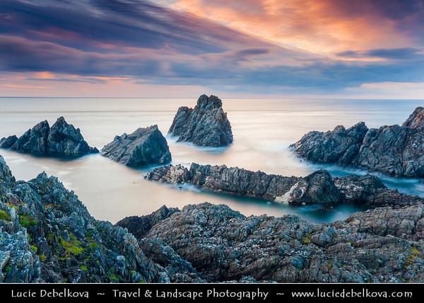 Europe - Ireland - Éire - Donegal County - Dramatic Coastline of Atlantic Ocean - Inishowen Peninsula - Malin Head - Cionn Mhálanna - Most northerly point of the island of Ireland