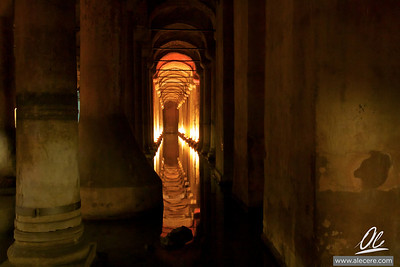 Basilica Cisterna - Reflection of the columns