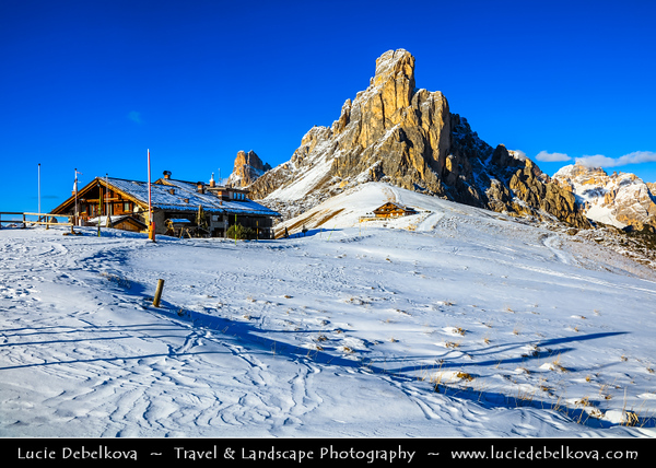 Europe - Italy - Italia - Alps - Dolomites - Dolomiti - Province of Belluno - Veneto Region - Giau Pass - Passo di Giau - Jof de Giau) - High mountain pass (el. 2236 m) connecting Cortina d'Ampezzo with Colle Santa Lucia & Selva di Cadore - Winter time with heavy snow cover