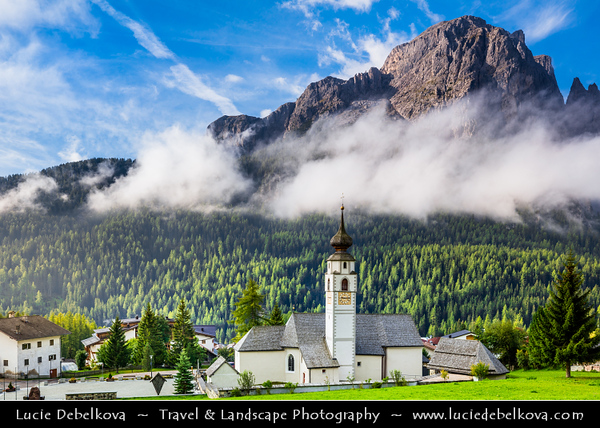 Europe - Italy - Italia - Alps - Dolomites - Dolomiti - Trentino-Alto Adige - Province of South Tyrol - Colfosco - Calfosch - Mountain village at at 1,645 metres (5,400 ft) with Iconic church
