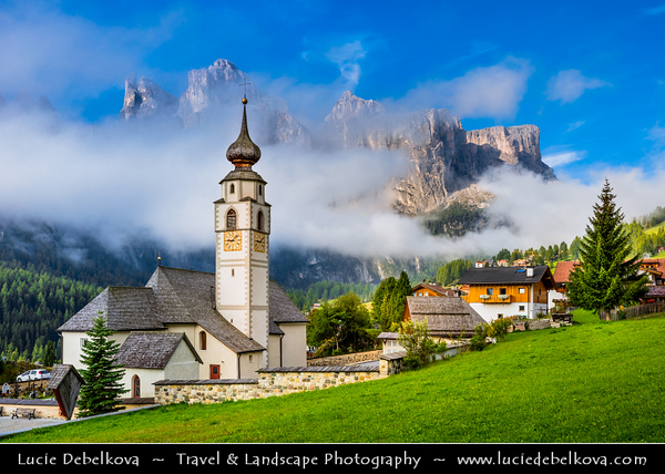 Europe - Italy - Italia - Alps - Dolomites - Dolomiti - Trentino-Alto Adige - Province of South Tyrol - Colfosco - Calfosch - Mountain village at at 1,645 metres (5,400 ft) with Iconic church