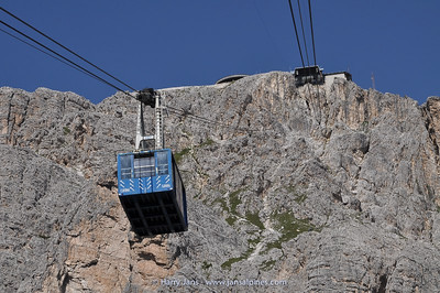 Cable Car to Ra Valles, 2472m (Tofana peak)