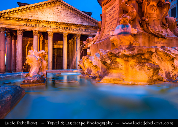 Europe - Italy - Italia - Rome - Roma - Pantheon - Former Roman temple - Temple to all gods of Ancient Rome & One of most preserved & influential building of ancient Rome
