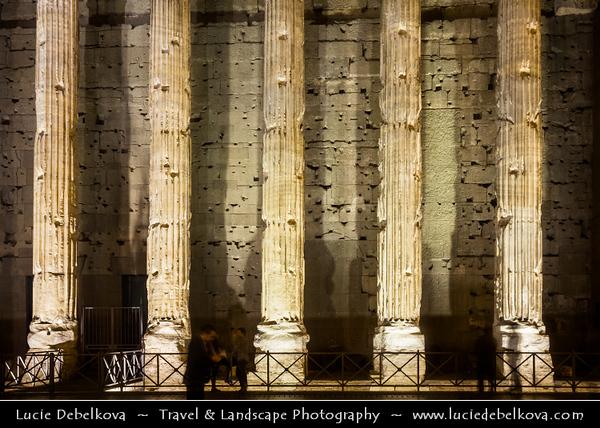 Europe - Italy - Italia - Rome - Roma - Piazza di Pietra - Temple of Hadrian - Tempio di Adriano - Surviving side of eleven of 15-metre-high Corinthian columns from external colonnade