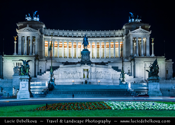 """Europe - Italy - Italia - Rome - Roma - Monumento Nazionale a Vittorio Emanuele II - National Monument of Victor Emmanuel II - Altare della Patria - Altar of the Fatherland - """"Il Vittoriano"""" - Monument to honour Victor Emmanuel, first king of unified Italy"""