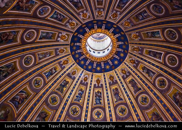Europe - Italy - Italia - Rome - Roma - Vatican City - Vaticano - Papal Basilica of Saint Peter - Basilica Sancti Petri - Basilica Papale di San Pietro - Saint Peter's Basilica - The largest interior of any Christian church in world