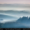 Italy - Tuscany - Toscana - Val d'Orcia - Orcia Valley - UNESCO World Heritage Site - Typical view of the rolling hills - Historic, artistic & landscape area of extraordinary beauty - House in the country - Podere Belverde in the morning mist