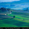 Italy - Tuscany - Toscana - Val d'Orcia - Orcia Valley - UNESCO World Heritage Site - Typical view of the rolling hills - Historic, artistic and landscape area of extraordinary beauty
