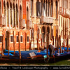 Europe - Italy - Italia - Veneto - Venice - Venezia - UNESCO World Heritage Site - Grand Canal - Canal Grande - Canałasso - One of the major water-traffic corridors in the city with Famous Gondolas