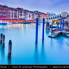 Europe - Italy - Italia - Veneto - Venice - Venezia - UNESCO World Heritage Site - Grand Canal - Canal Grande - Canałasso - One of the major water-traffic corridors in the city & Rialto Bridge - Ponte di Rialto - One of the four bridges spanning the Grand Canal - The oldest bridge across the canal