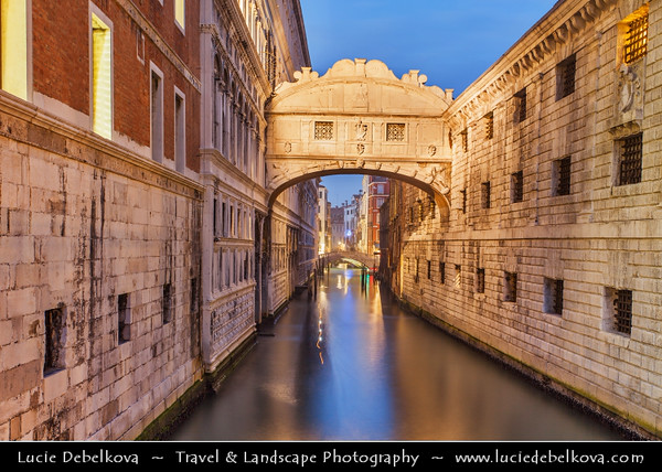Europe - Italy - Italia - Veneto - Venice - Venezia - UNESCO World Heritage Site - Bridge of Sighs - Ponte dei Sospiri - Famous enclosed bridge made of white limestone with windows and stone bars