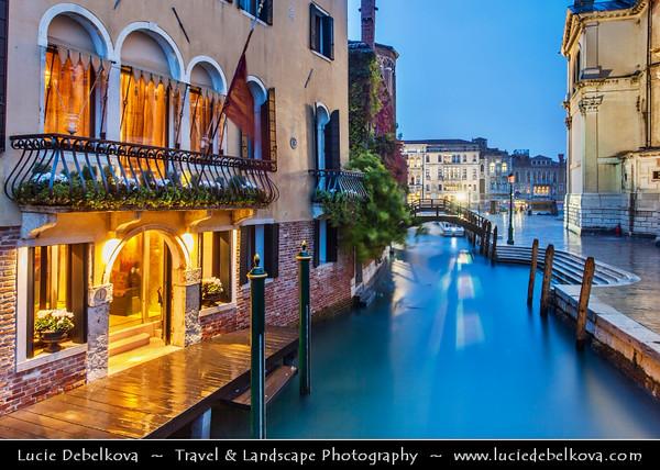 Europe - Italy - Italia - Veneto - Venice - Venezia - UNESCO World Heritage Site - Grand Canal - Canal Grande - Canałasso - One of the major water-traffic corridors in the city